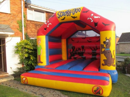 CHILDS BOUNCY CASTLE 15X15 FOOT