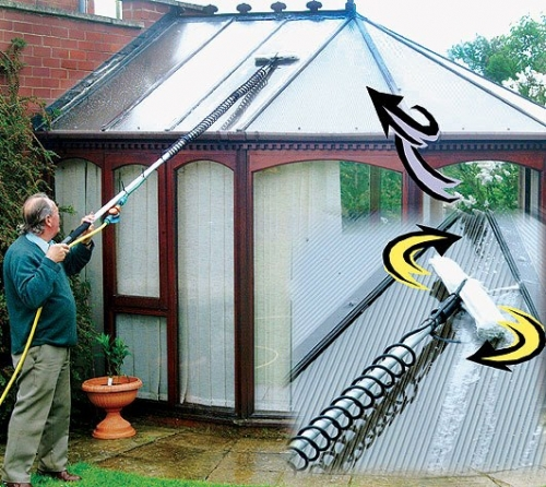 5.23 metre,17 foot, or ( 8 metre available see options on ordering) Telescopic 3 section pole made of professional high quality anodized Aluminium. Complete with porcupine swivel cleaning head. Conservatory window cleaner, the length of pole retracted is