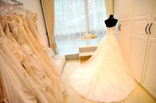 bridal gowns shop