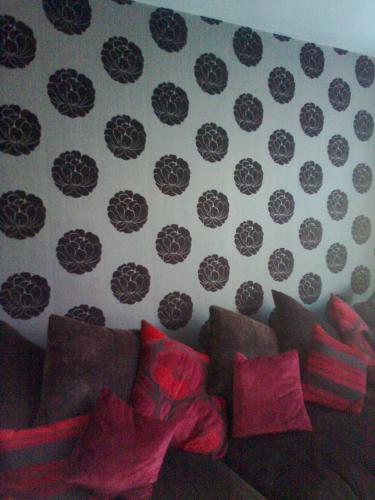 Lounge wallpapering