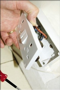 A1 Contracting Ltd - Electricians - 01865 373014 - Oxford