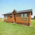 Chapel Hill Marina & Caravan Park - Timber Lodges