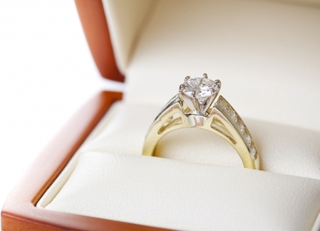 Shoulder Set Diamond Engagement Rings