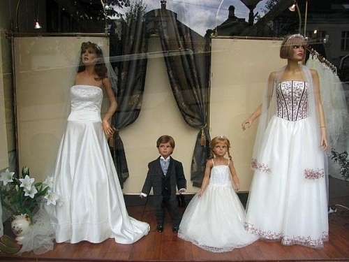 wedding gowns shop