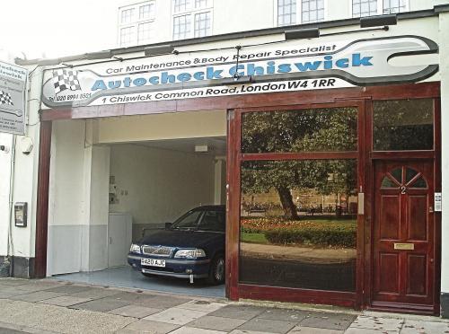 Autocheck Chiswick