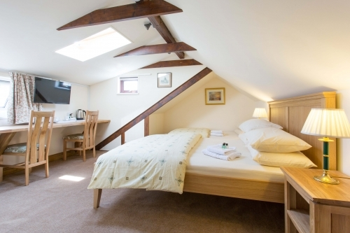 Oakwood B&B Heathrow. Executive King Double Or Twin