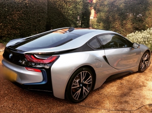 Bmw i8 on monthly maintenance