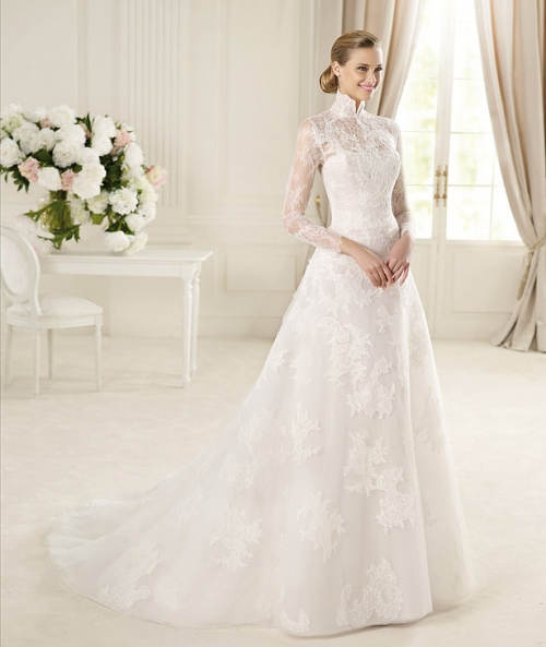 Classy Lace Retro Wedding dress with Turtleneck Long Sleeves