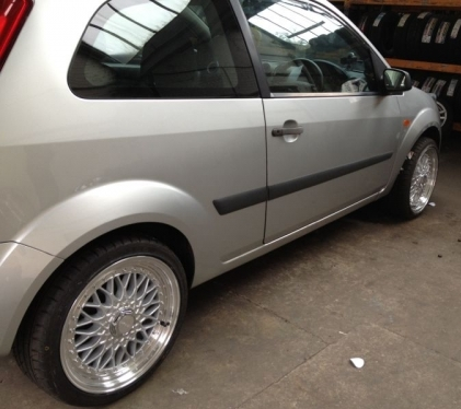 New alloys fitted to a Ford Fiesta!