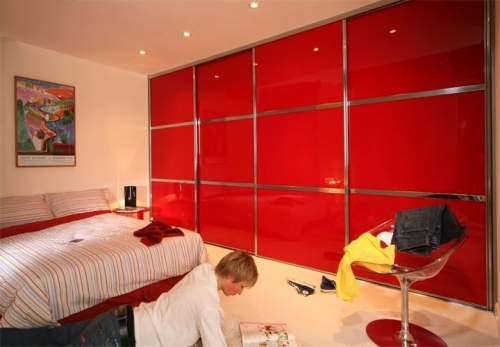 Beijing 3 equal Split Panel with Flame Red Glass and Chrome Plated Aluminium Tracks and Framework