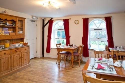 Dining and Breakfast Room - Accommodation Maidstone