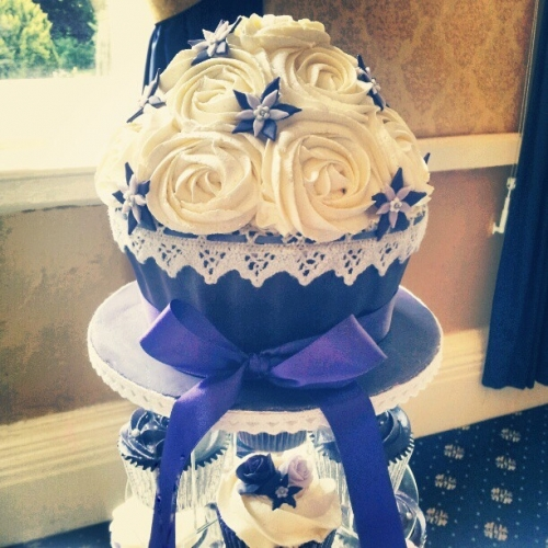 wedding cake makers in mansfield notts cherry on a cake cake makers in nottingham 23166