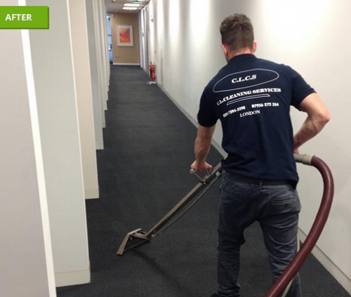 carpet cleaning using hot water and shampoo extraction method