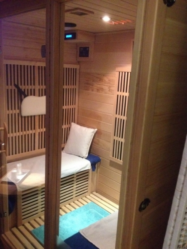 Infrared sauna, detox
