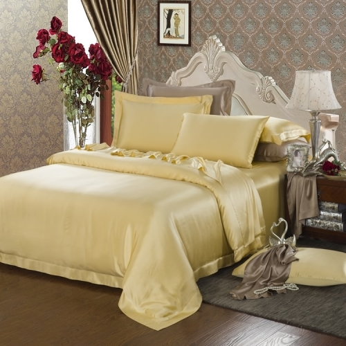 22 Momme Seamless Silk Bedding Set Gold 1