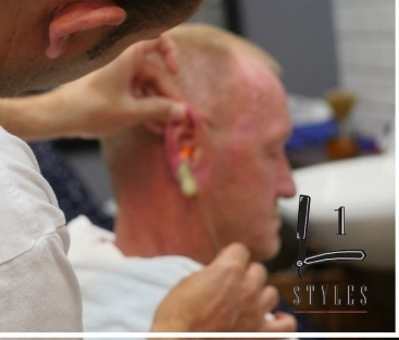 EAR SINGEING HUYTON/LIVERPOOL L1 STYLES
